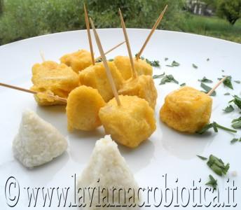 Spiedini di tofu allo zafferano