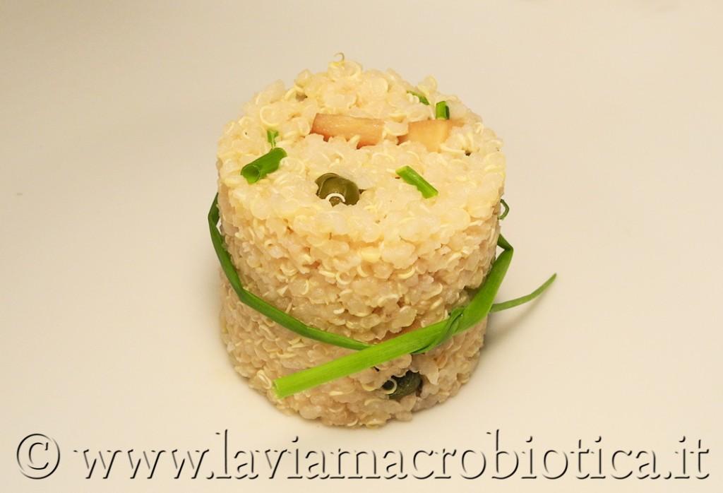 Insalata di quinoa del frigo vuoto
