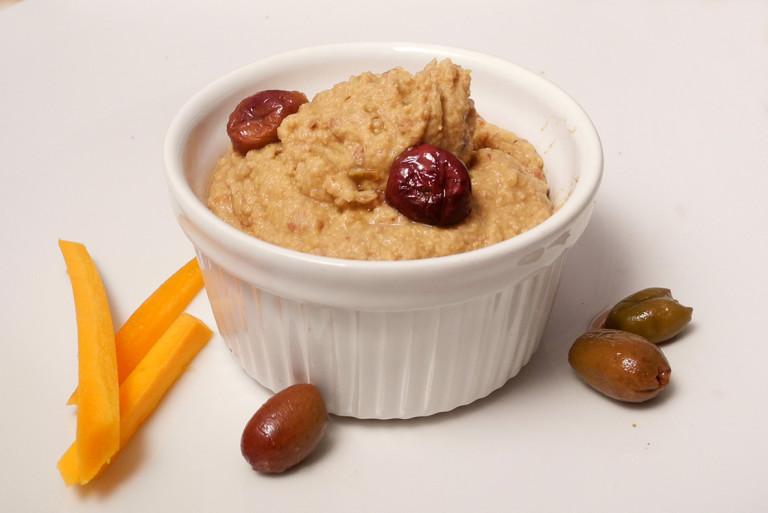 Hummus di ceci e olive