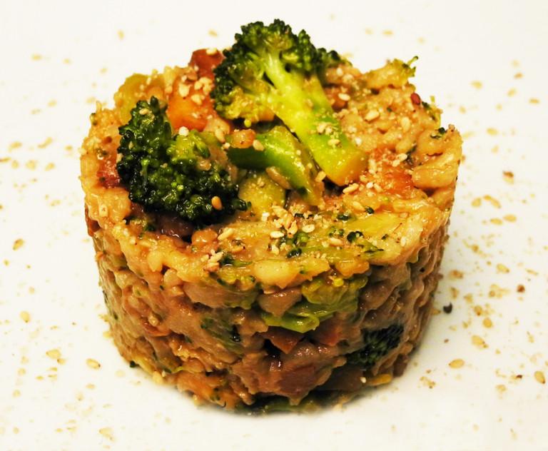 Riso basmati integrale con broccoli e nocciole