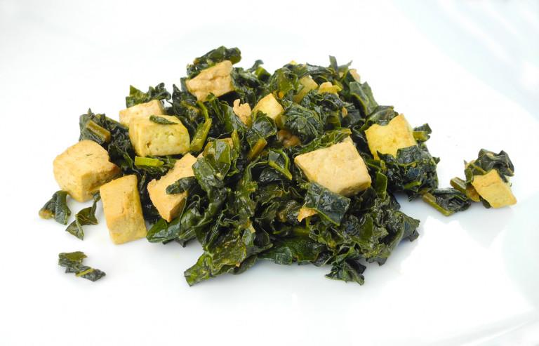 Cavolo nero e tofu in padella