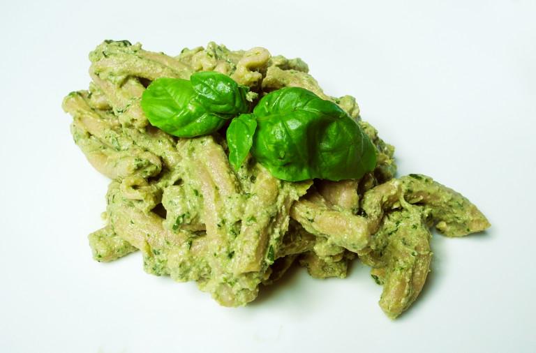 pasta integrale con salsa di tofu al basilico